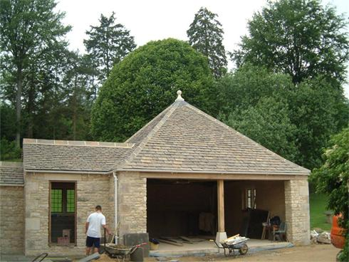 Hipped roof in Camas Conservation Tiles