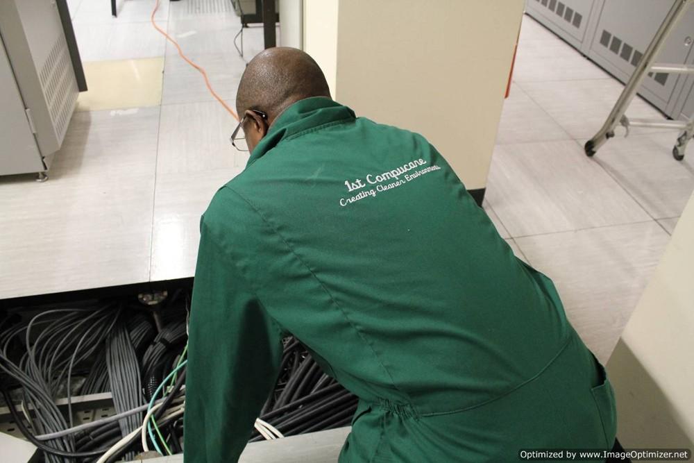 underfloor plenum cleaning