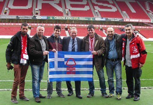 Members of the Hellenic branch of\r\nNFSC with John McGovern during\r\na visit to the City Ground in 2015.