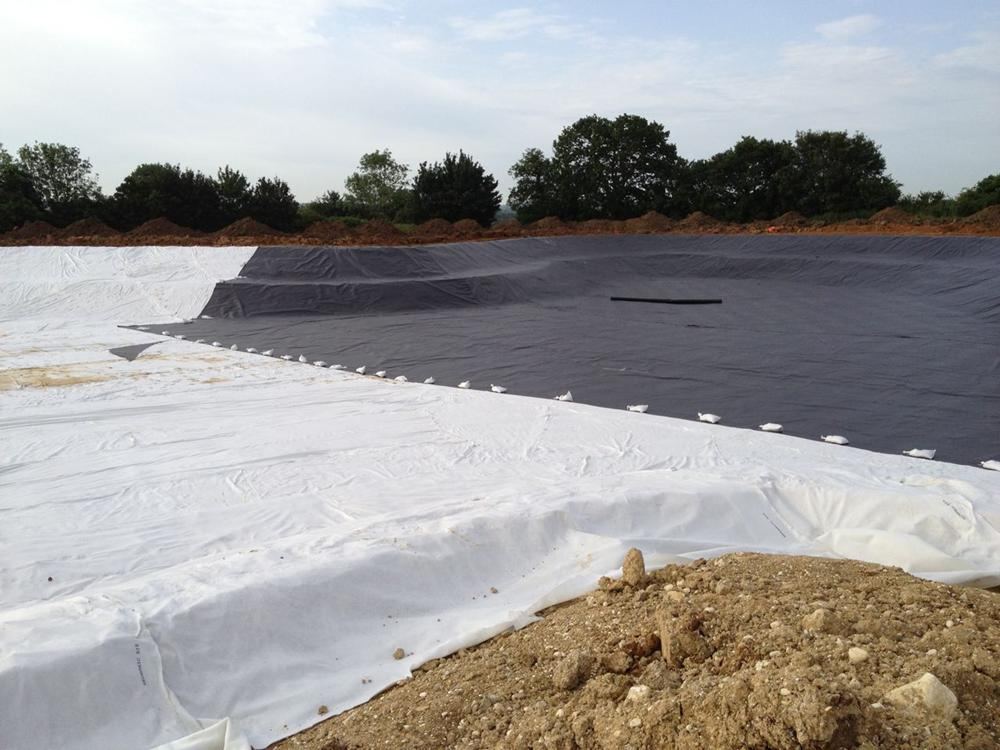 Liner and geotextile Installation in large Lake