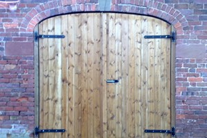 Arch top garage door