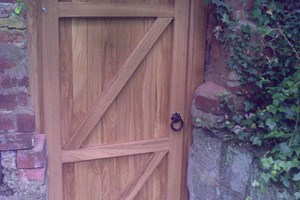 Oak side barn door