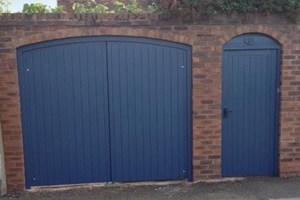 Flat top garage doors (Blue)