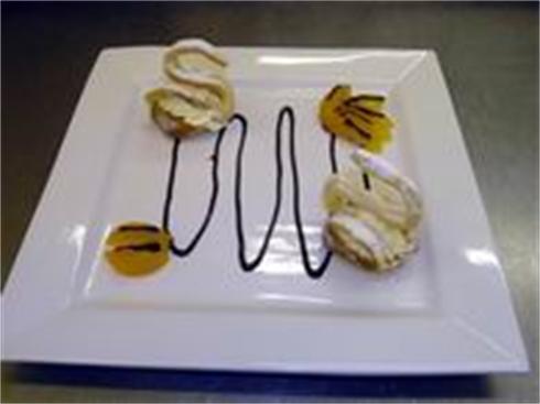 Choix Pastry Swan Desert