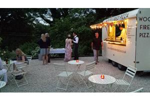 Wedding food ideas - Serve freshly made pizzas at your wedding and delight your guests...
