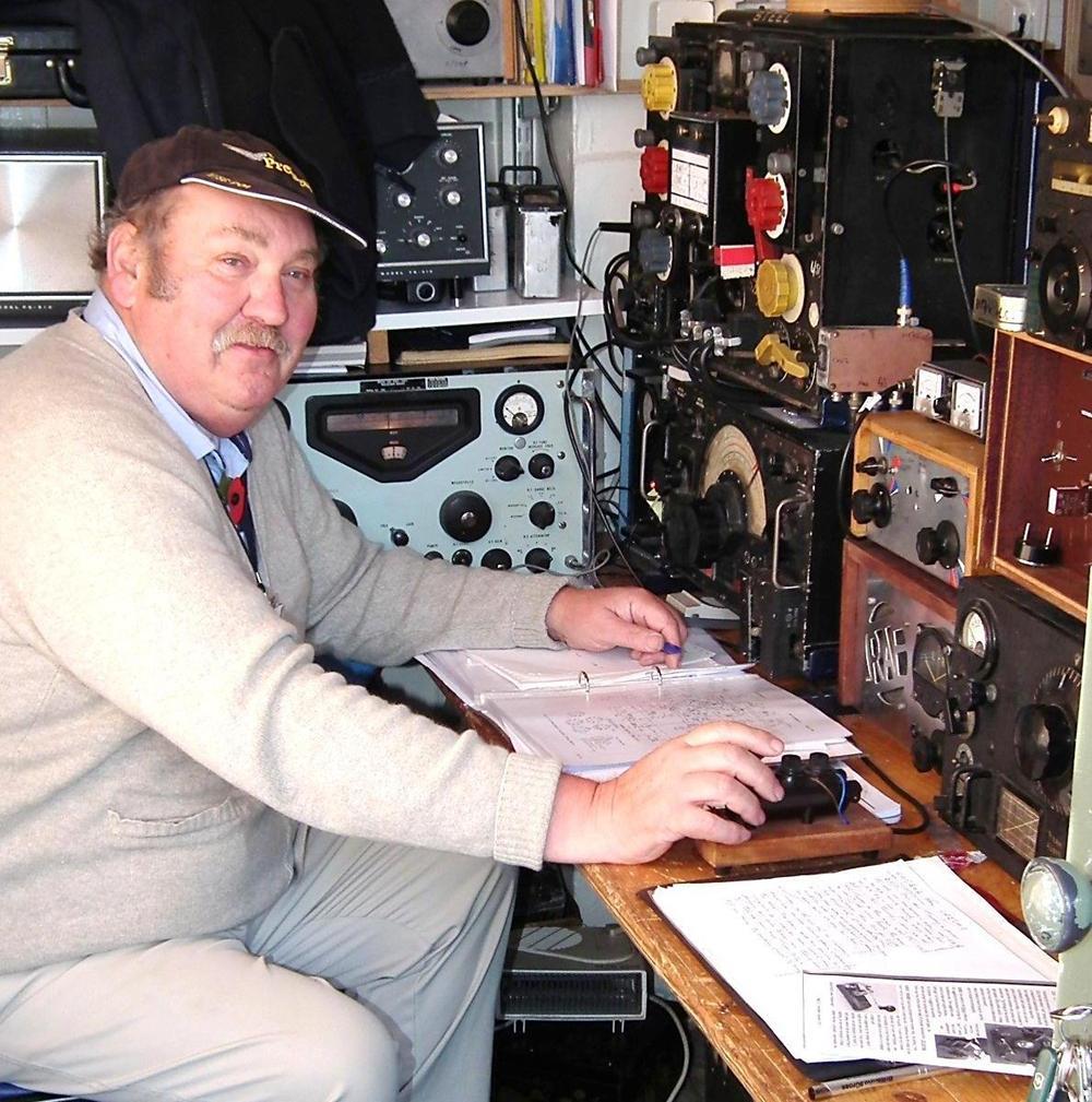 Vintage Military Radios 99
