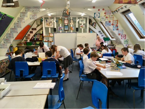 Class drawing invertebrates towards the end of the lesson
