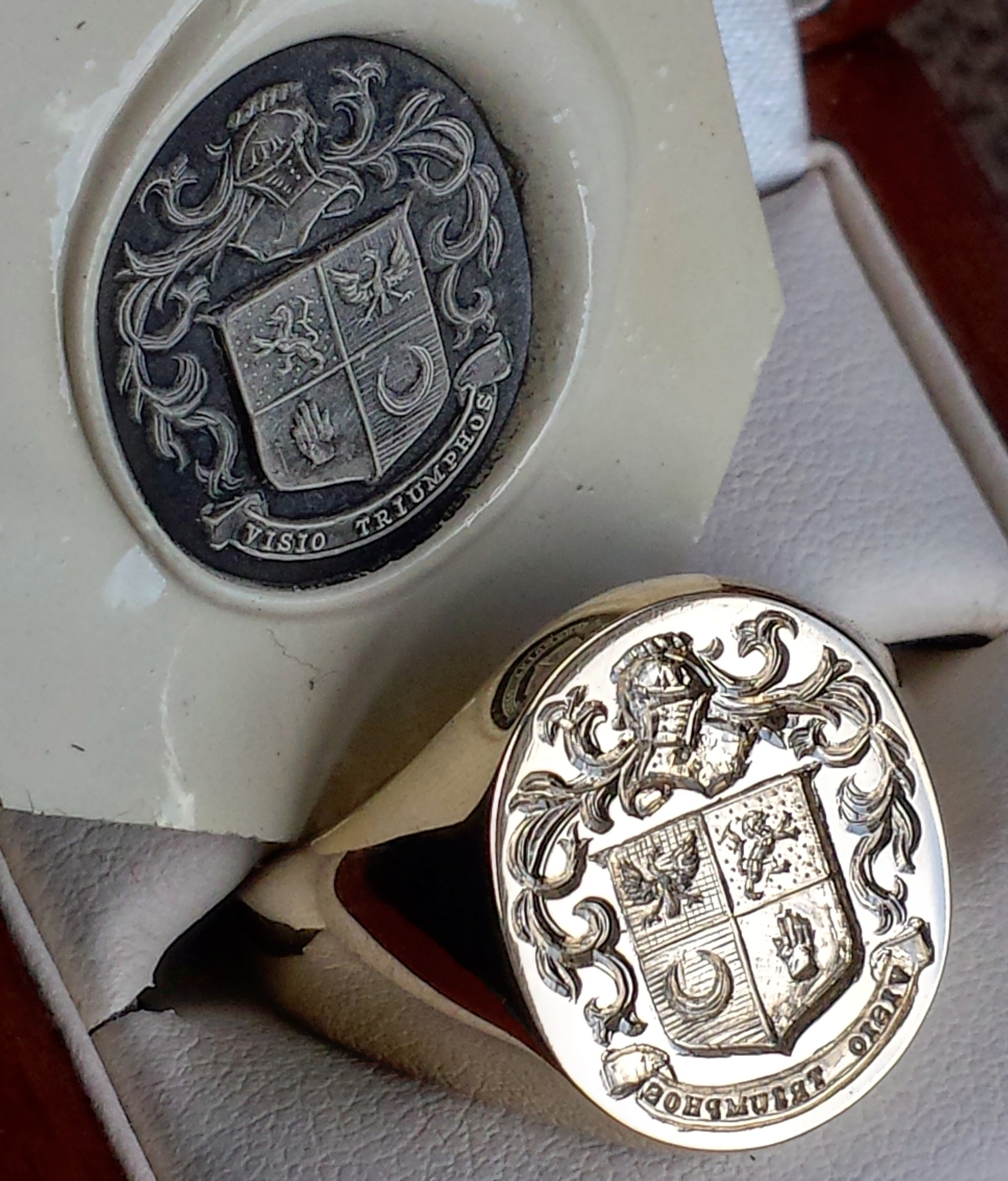 9ct yellow gold 16x20mm Oxford Bull signet ring with a full coat of arms seal engraved in reverse complete with wax impression.