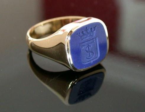 Gemstone Signet Rings : Hand Engraving and Signet Ring