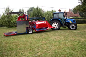 MAREK ARONIA BERRY HARVESTER IN THE UK 2015