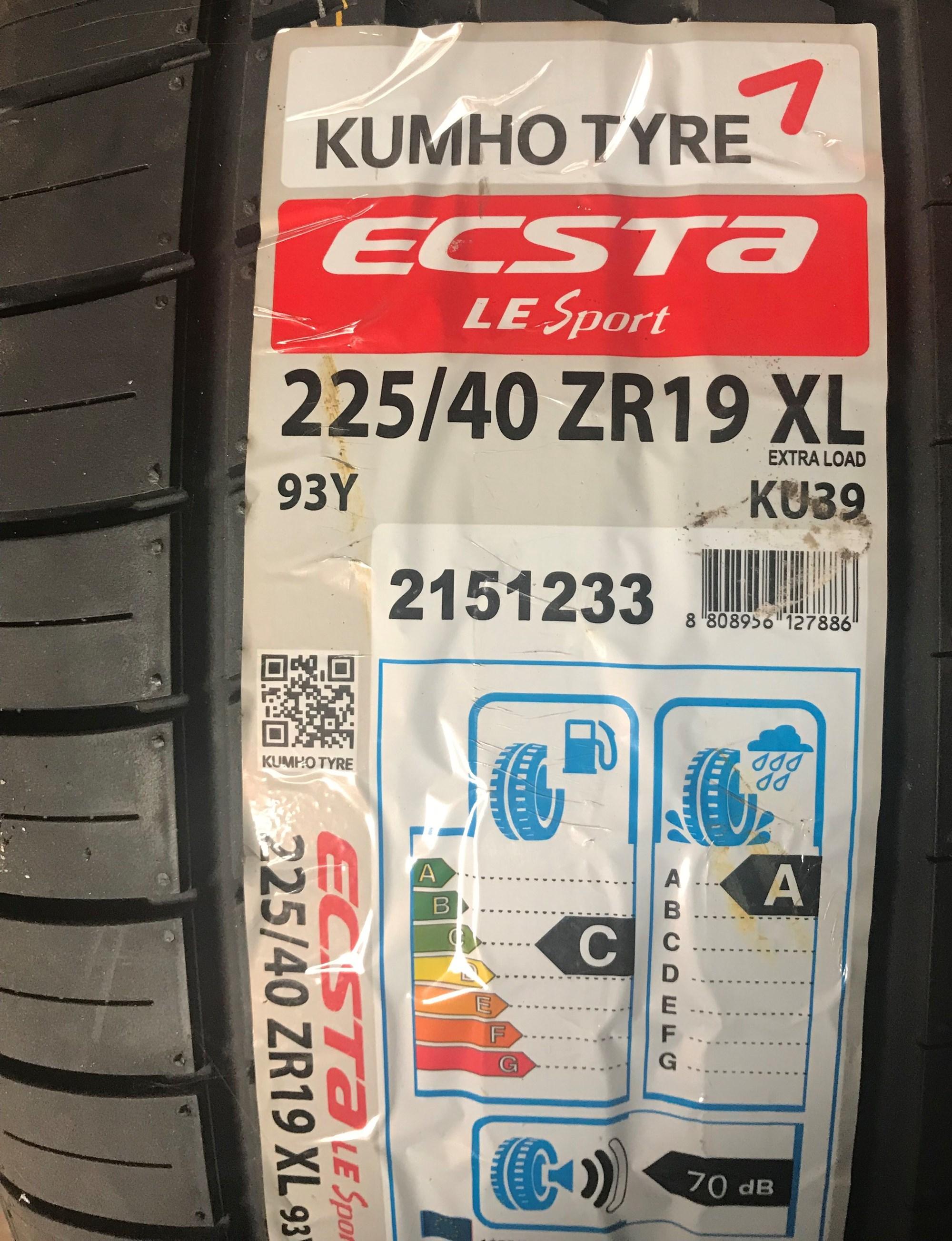 Kumho Ecsta 225/40/19 Tyres