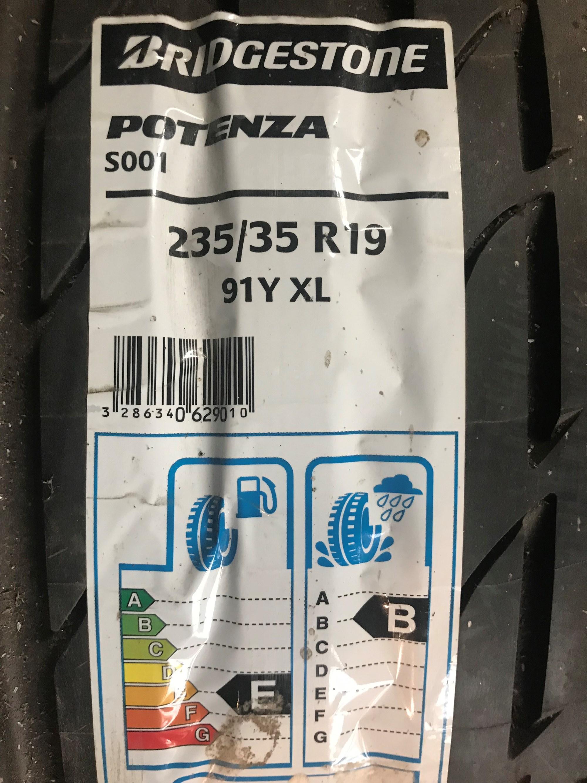 Bridgestone Potenza 235/35/R19