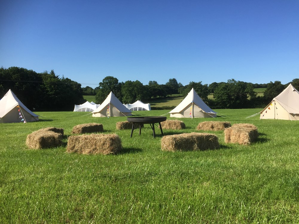 THe fire Pit and glamping village - 'woodside'