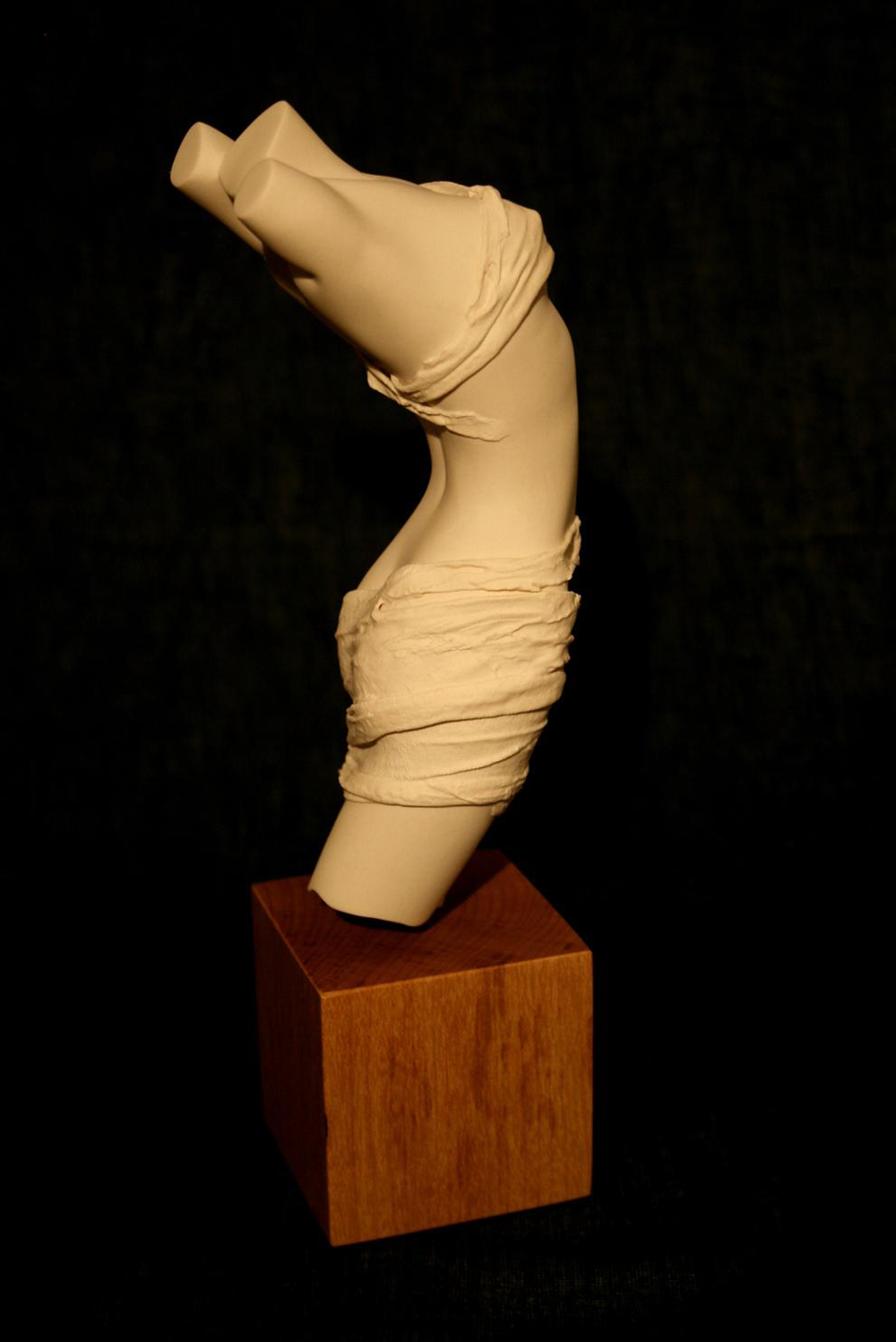 Rapture £170 Porcelain. Dimensions: 260mm x 70mm x 80mm Signed edition. In stock