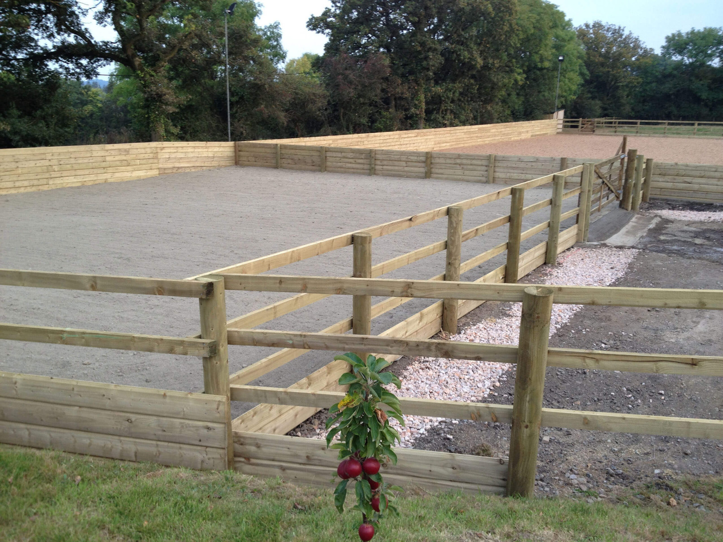 Riding arena fencing refurbishment