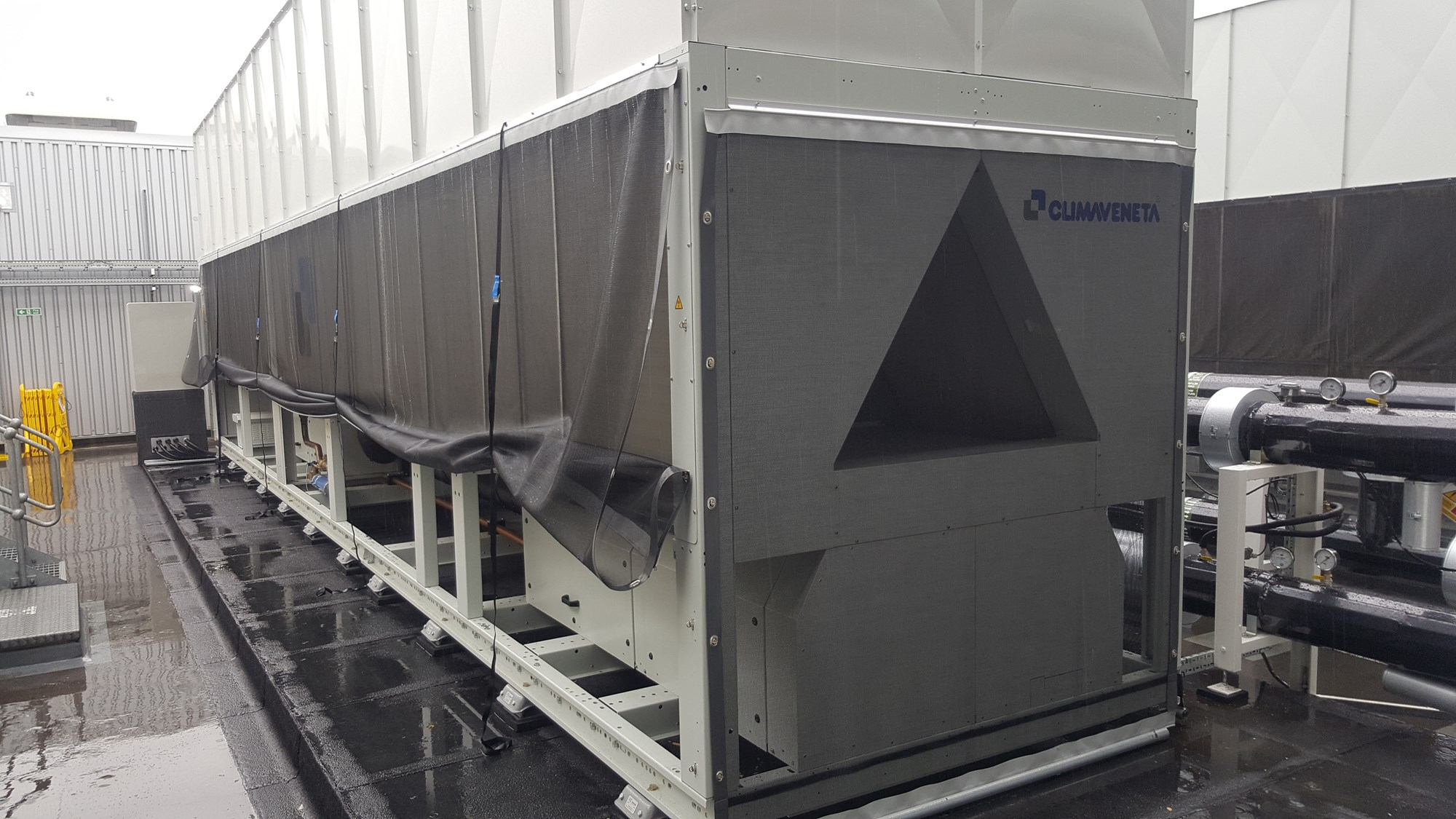 A Climaveneta Data Centre chiller protected by the RABScreen CAS system air intake filter