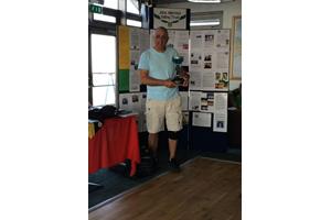 Chris Powles, winner of the Glyn Charles Pursuit Race 2014