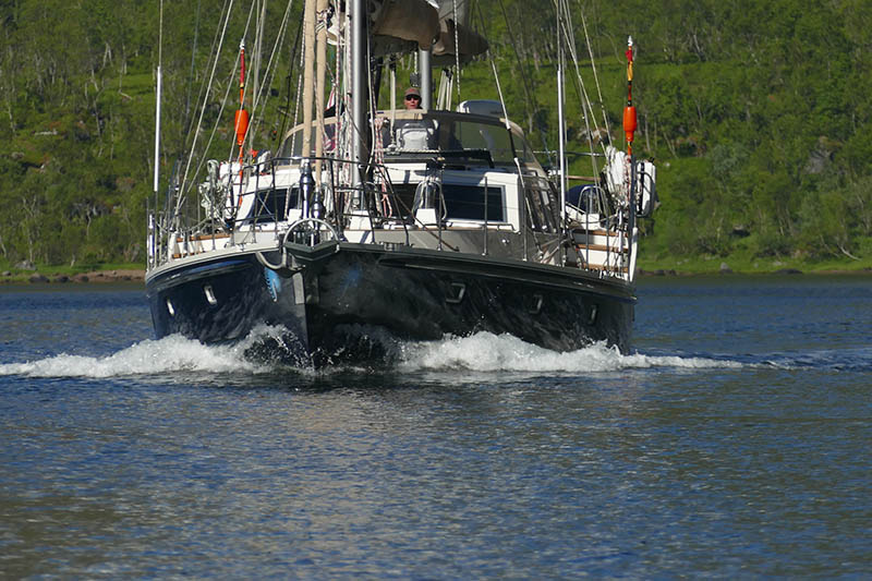Santosa Sailing in the Arctic Circle