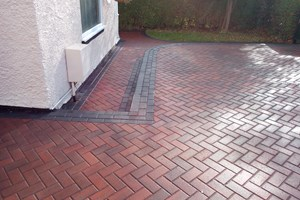 Block paved driveway in Ellesmere Port, colour brindle.