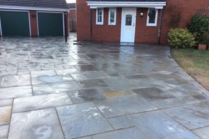 indian sandstone driveway in Ellesmere Port, colour pennant grey.