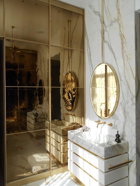 Luxury mirrored wardrobe