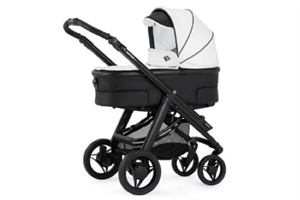 <h2>Hip Hop Tech<br/> Magic</h2><p><span>Description:</span><br/>Chassis, Seat Unit With Hood, Carrycot Hood & Apron Raincover</p><p><span>Colours:</span><br/>Paint Chassis, Berry Blush, White Magic, Grey Shadow, White Shadow, Pale Sky, Sunburst, Cream Magic, Oatmeal Mystic Fawn, Cotton Candy</p><p><span>Price:</span><br/>£840</p>