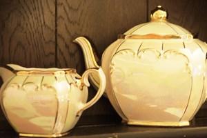 Elegant gold lustre tea pot + milk jug.Ideal for the golden wedding anniversary table