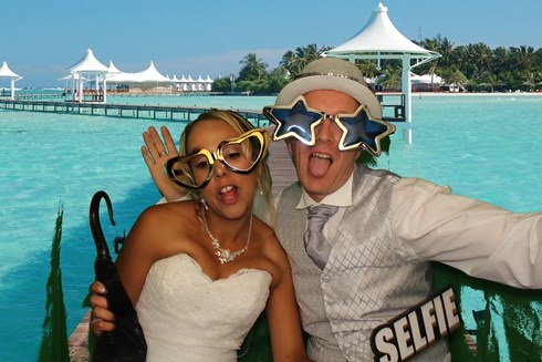 At KKPhotoBooths, we realize that your staff are your biggest assets, and as such, need to be rewarded. A great way of  demonstrating this is to hire a photo booth in support of your event. Whether it is the end of year party, an awards ceremony, engagement programs, product launches or a trade fair,