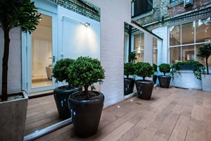 garden lighting installation London