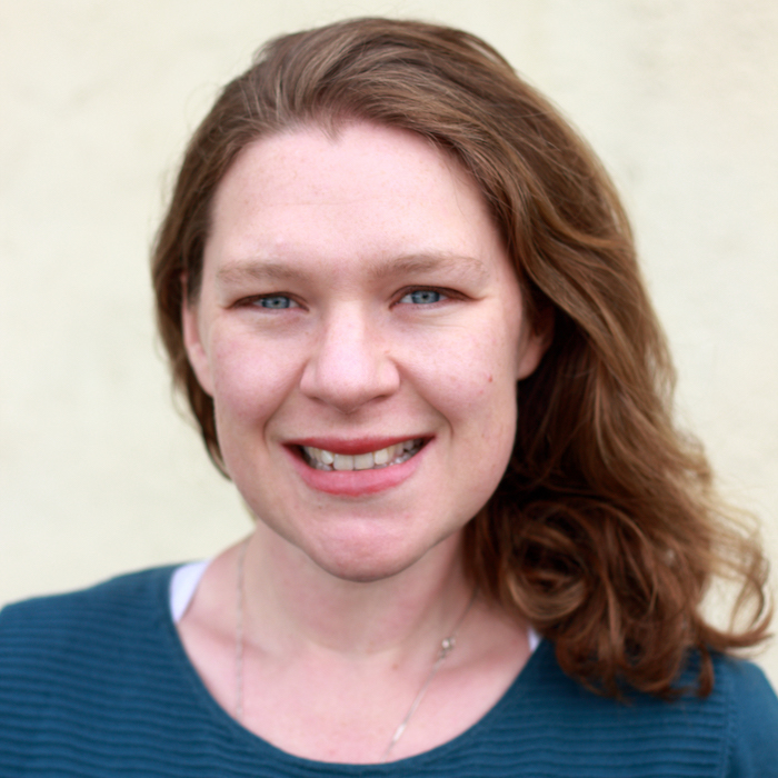 Dr Elizabeth McKiernan