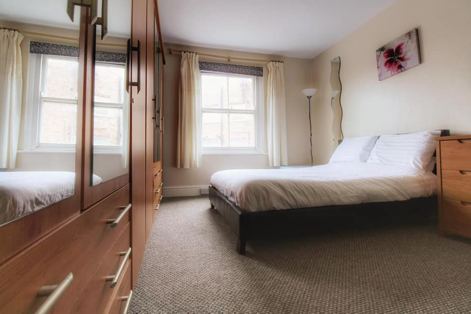 Seagulls apartment bedroom