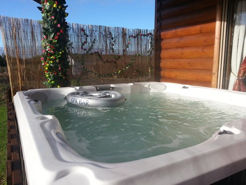 Jacuzzi at the Log Cabin