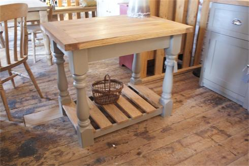 Butcher's block / kitchen sideboard with solid oak top and pan slats.