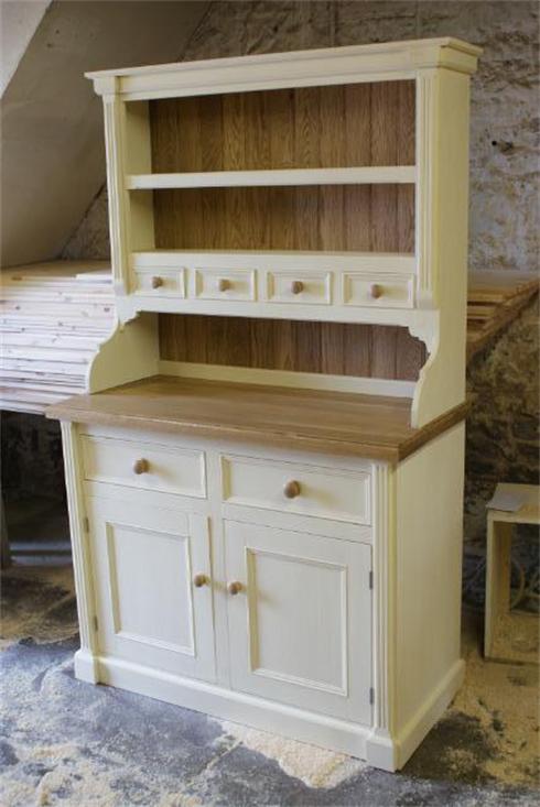 6'6' x 4'6' Georgian dresser with solid oak top and backboarding.   £1380