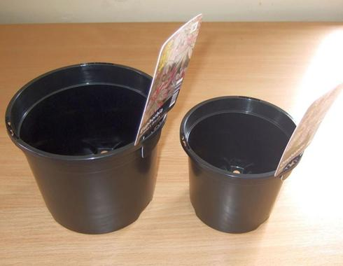 1 litre and 2 litre plant pots with label security slots. 0.45 wall thickness. Fast cycling