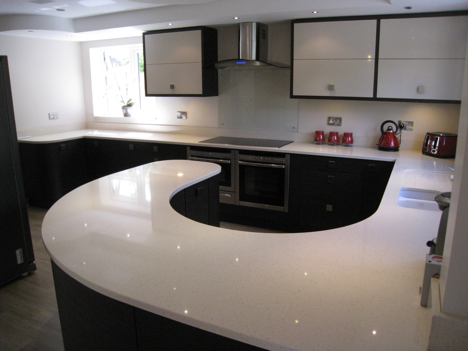Black and white and red bathroom - Blanco Capri Silestone Quartz Supplied And Fitted For Caws Carpentry